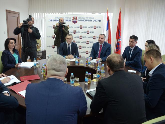 Sastanak Radovana Viškovića sa Rankom Karapetrovićem (Foto: SRNA)