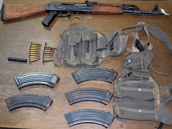 Запљењени арсенал оружја и муниције, Доња Љубија (Фото: СРНА)