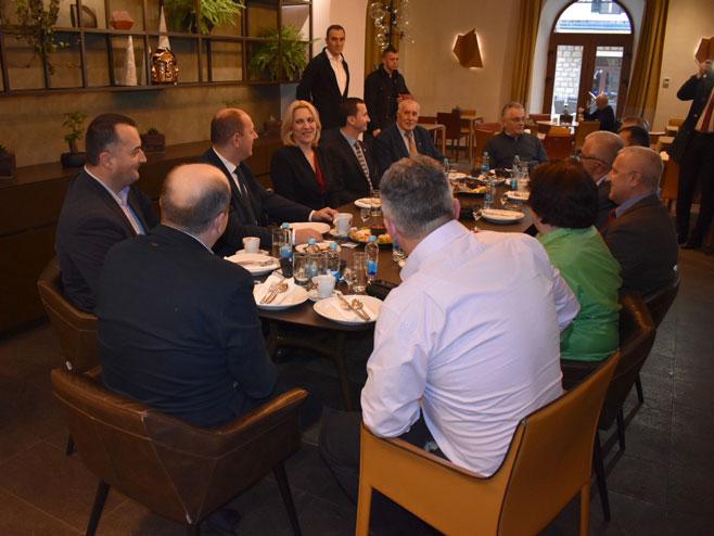 Цвијановићева на састанку са коалиционим партнерима, Требиње