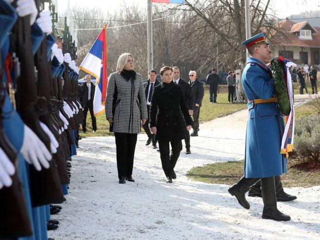 Željka Cvijanović i Ana Brnabić (Foto: RTRS)