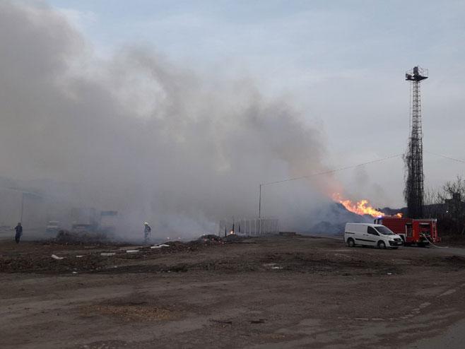 Požar u krugu Incela (Foto: RTRS)
