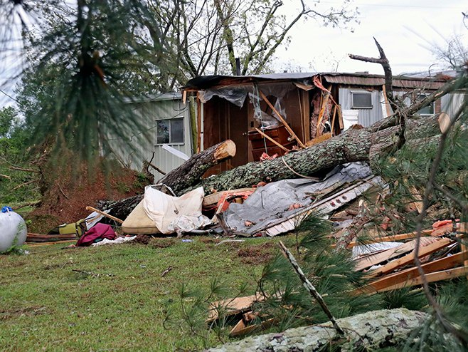 SAD - tornado (Foto: Jim Lytle/AP)