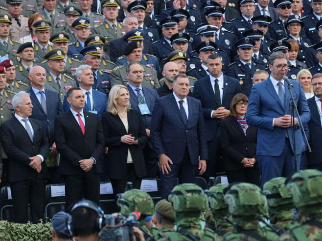 Војна парада у Нишу (Фото: РТРС)
