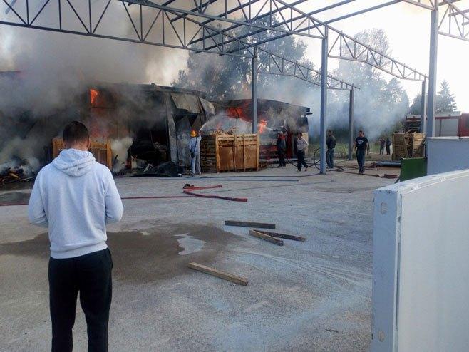 Пожар у Градишци (Фото: РТРС)