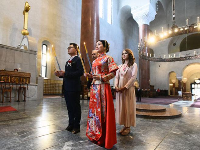 Београд: Вјенчање кинеског пара (Фото: Новости/П. Милошевић)