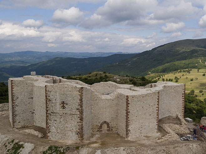 Тврђава Ново Брдо (Фото: Wikipedia)