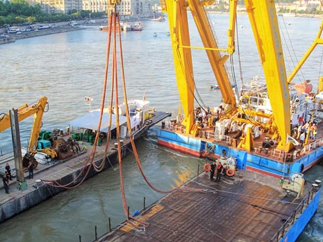 Извлачење брода (фото: szeretlekmagyarorszag.hu)