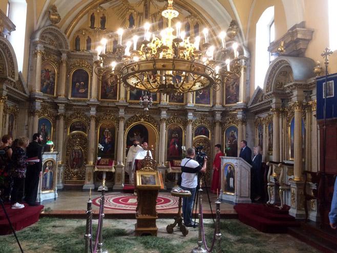 Додик на литургији у Будимпешти (Фото: РТРС)