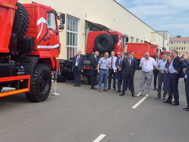"Dodik posjetio fabriku ""MAZ"""