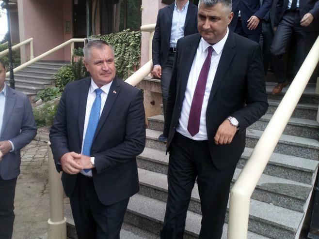 Sastanak u ЈP Vode Srpske (Foto: RTRS)