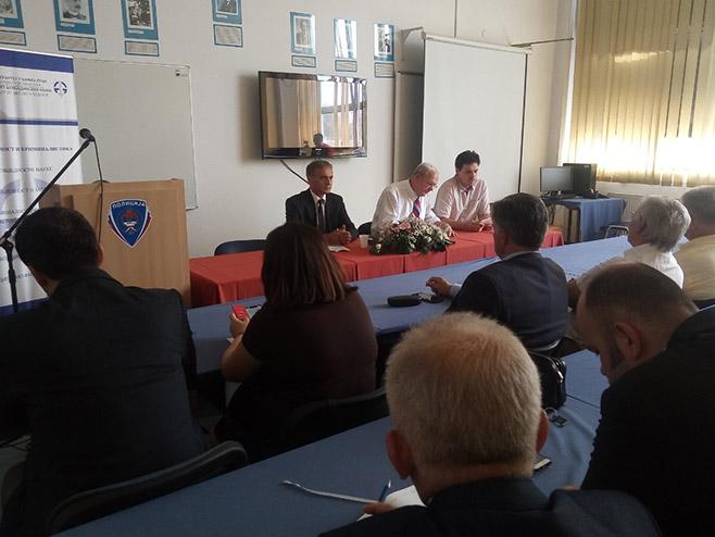 Stiven Mejer - predavanje (Foto: RTRS)