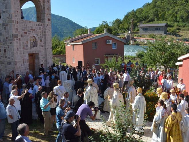 Освештана црква Светих апостола Петра и Павла у Бару (Фото:Митрополија црногорско приморска)