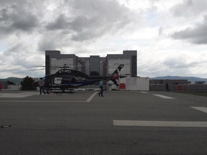 Хеликоптер за транспорт повријеђеног Кузмића (Фото: РТРС)