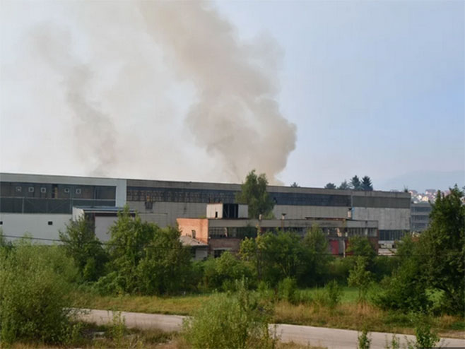Пожар у кругу Енергоинвеста (Фото: klix.ba )