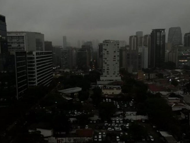 Сао Паоло орекривен димом