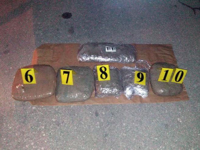 Одузета дрога у Шипову
