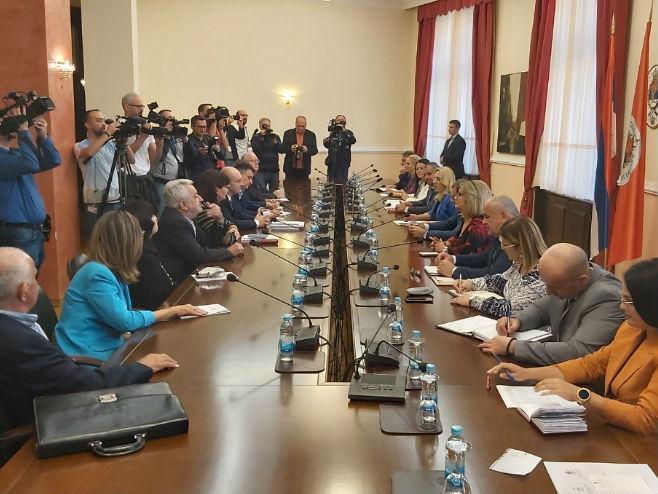 Sastanak o demografskom razvoju i populacionoj politici (Foto: RTRS)