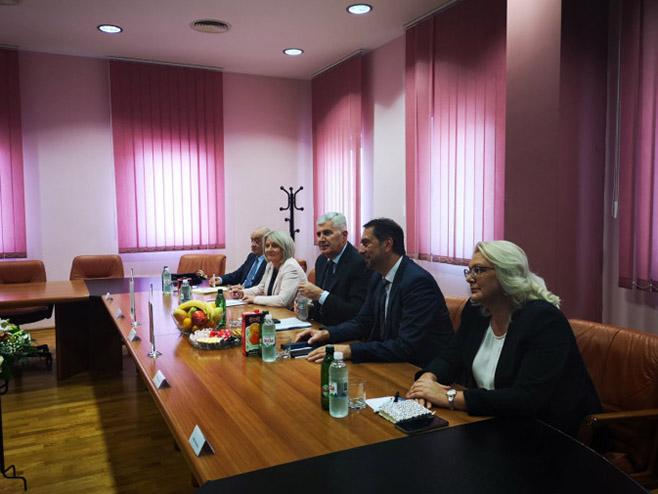 Delegacija HDZ (Foto: Avaz/M. Smajkić)