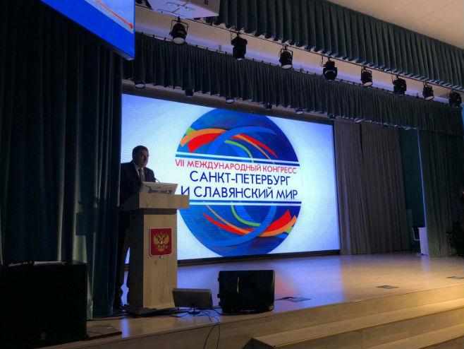 """Dodik na kongresu """"Sankt Peterburg i slavenski svijet"""" (Foto: Srna)"""