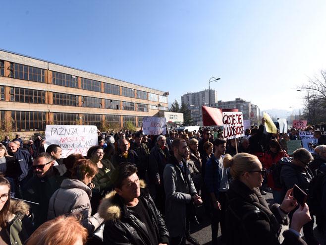 Протести грађана у Сарајеву (Фото: dnevni avaz)