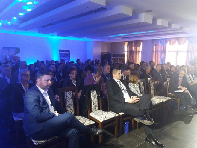 """Конференција """"Приједор инвест 2019 трансформација"""" (Фото: РТРС)"""