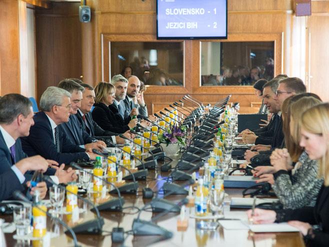 Ljubljana - sastanak članova Predsjedništva BiH sa delegacijom Državnog zbora Slovenije (Foto: SRNA)