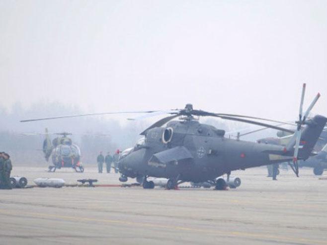 Презентација нових хеликоптера Ми-35, Х-145М и Ми-17 на аеродрому у Батајници (Фото: Танјуг/Тања Вулин)