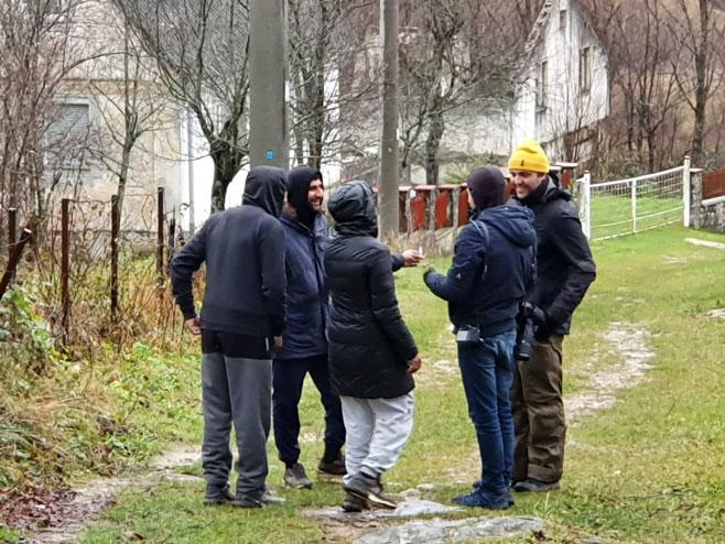 Мигранти (Фото: dnevni avaz )