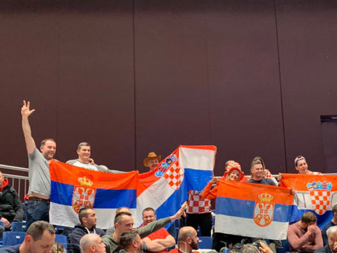 Навијачи Хрватске и Србије (фото: banjaluka.com)