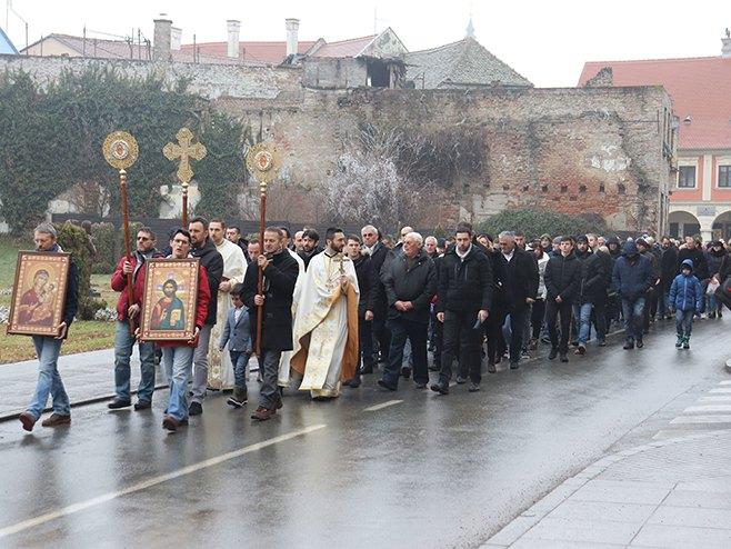 Vukovar: Litija (Foto: Slavko Bubalo/Sputnjik) -