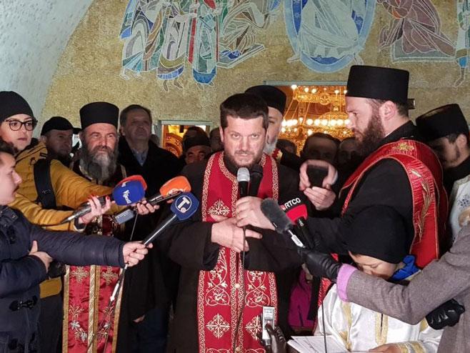 Protojerej-stavrofor Gojko Perović (foto: Sputnik / Nebojša Popović) -
