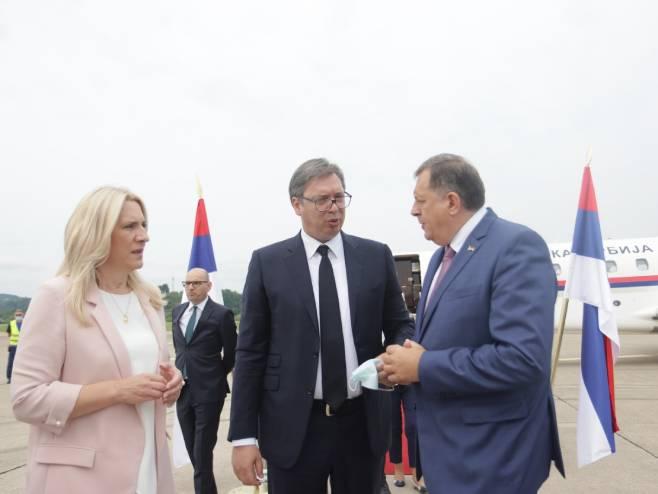 Цвијановић, Вучић и Додик (Фото: РТРС)