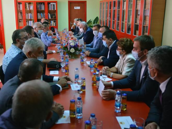 Sastanak lidera srpskih stranaka