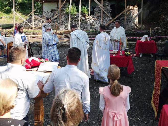 Митрополит Хризостом служио Свету архијерејску литургију у манастиру Удрим код Завидовића, Фото: СРНА