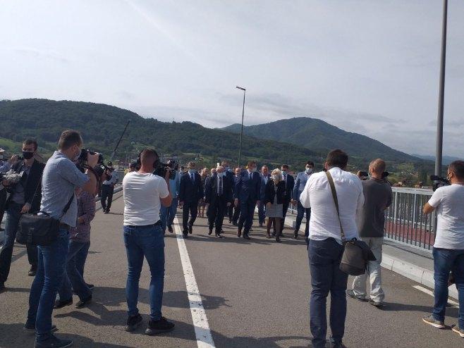 Потписивање споразума-Мост Вратољуб (Фото: РТРС)