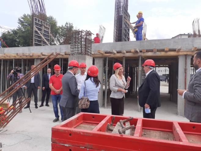 Посјета градилишту спортске дворане у Добоју (Фото: РТРС)