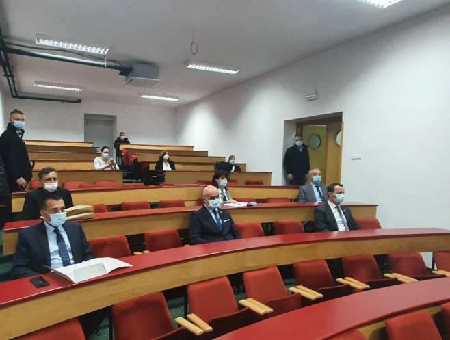 Predsjednica Cvijanović u Trebinju sa dekanima fakulteta (Foto: Srna)
