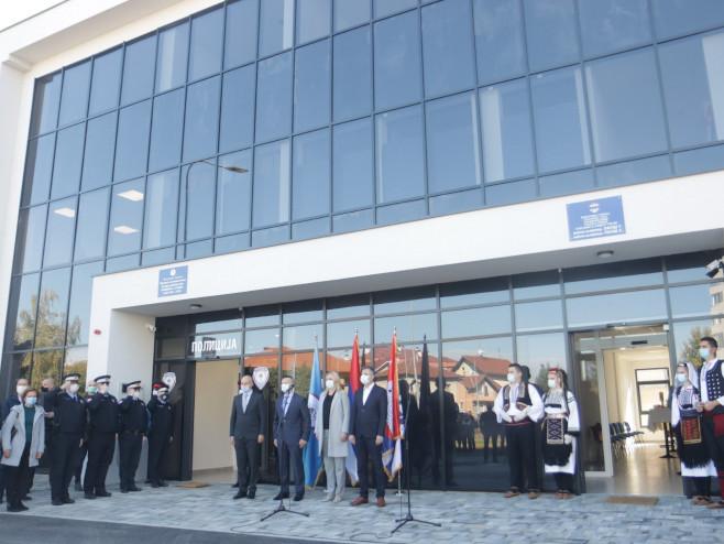 Otvaranje Policijske stanice Lauš (Foto: RTRS)