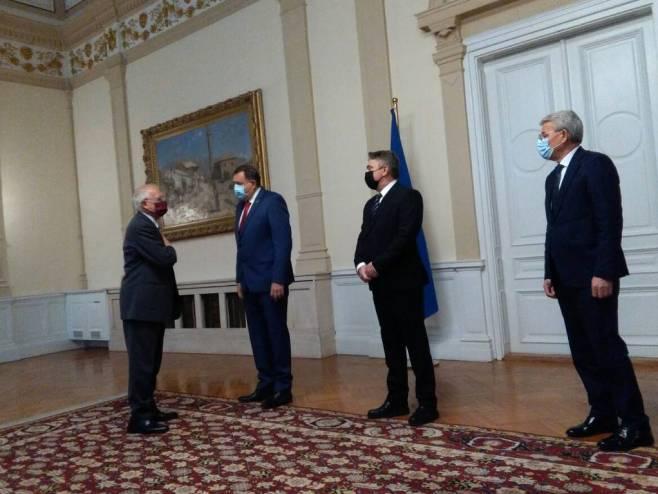 Додик, Комшић и Џаферовић са Жозепом Борељом (фото: СРНА)