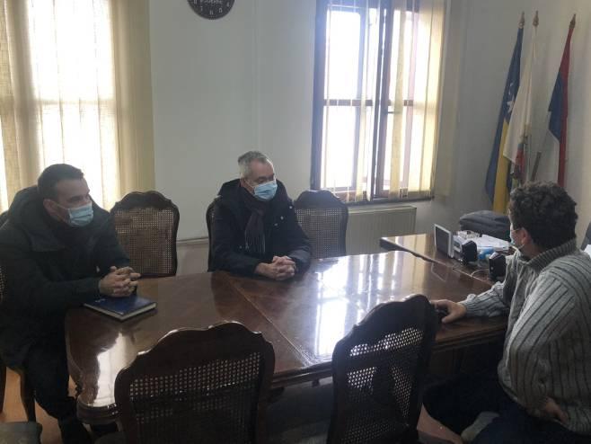 Sastanak u Kostajnici (Foto: RTRS)
