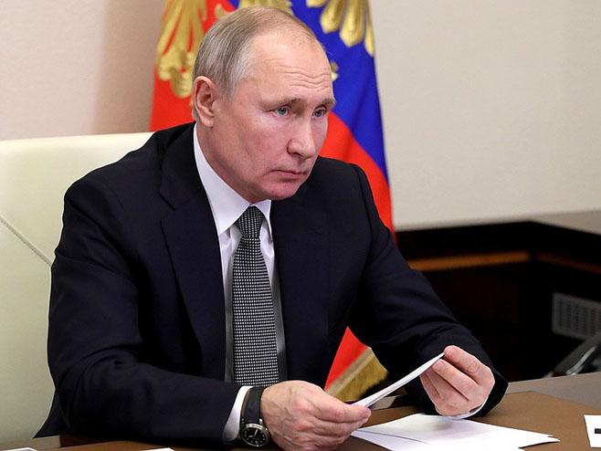 Vladimir Putin (@KremlinRussia) - Foto: Twitter