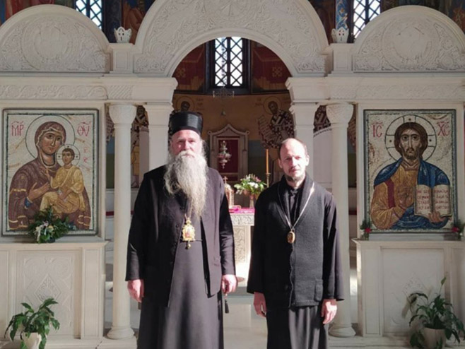Episkop Јoanikije i episkop Dimitrije (Foto: eparhija-zahumskohercegovacka.com)