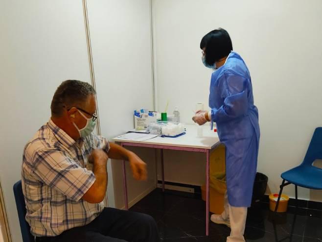 Вакцинација у Бањалуци (Фото: РТРС)