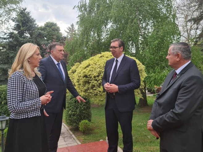 Vučić, Dodik, Cvijanović i Višković (Foto: instagram.com/buducnostsrbijeav) -