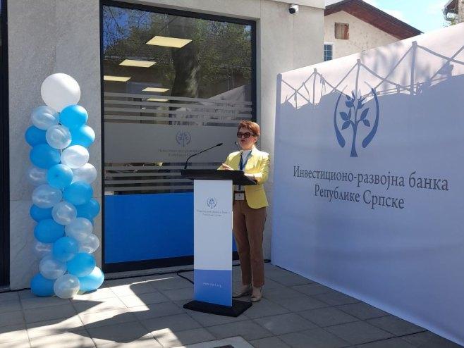 Zora Vidović na otvaranju kancelarija IRB-a u Prijedoru (Foto: RTRS)