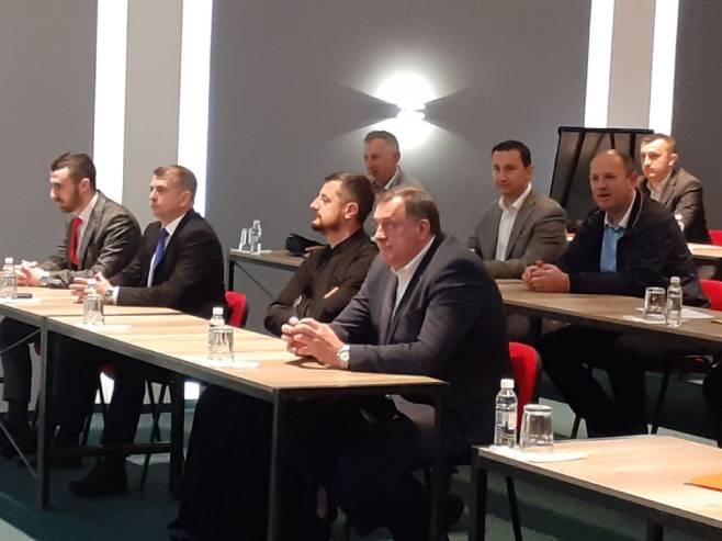 Milorad Dodik na konferenciji o zaštiti prava Srba u FBiH (Foto: RTRS)