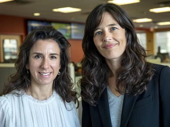 Новинарке Џоди Кантор и Меган Туи (Фото: Robin Lubbock/WBUR)