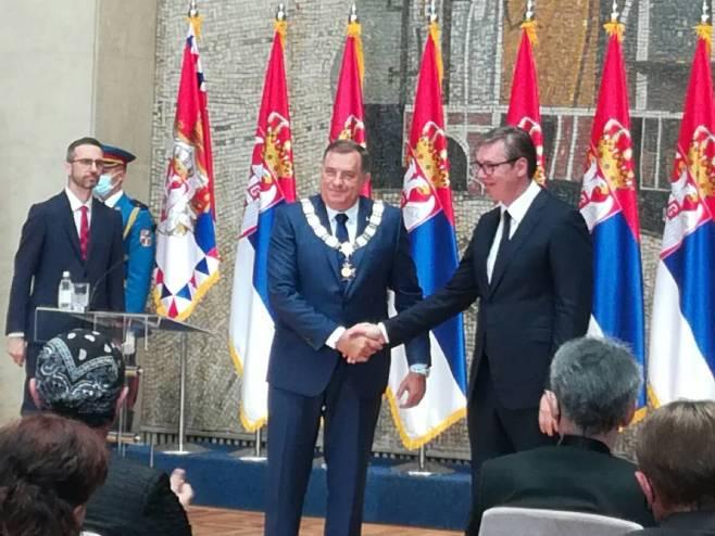 Vučić uručio Dodiku orden Republike Srbije - Foto: RTRS
