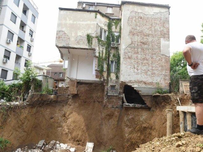 Oštećena zgrada (foto: Zorana Jevtić) -
