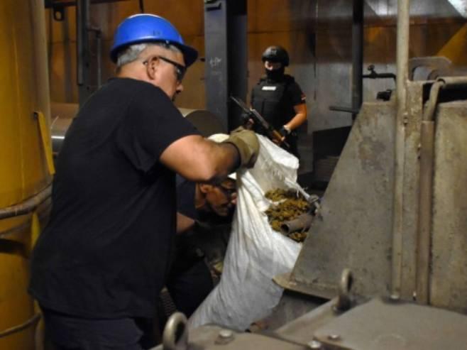 Uništavanje droge u Obrenovcu (Foto: MUP Srbije)